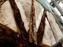 北外壁面と西外壁面が特に傷んでいました。